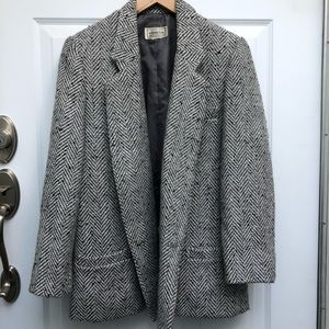 Vintage herringbone grey blazer